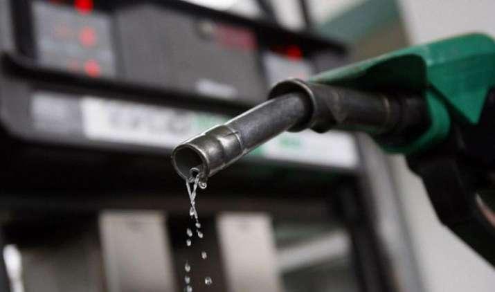 SetBack: पांच महीने बाद 36 पैसे महंगा हुआ पेट्रोल, डीजल की कीमतें भी 87 पैसे प्रति लीटर बढ़ीं- India TV Paisa