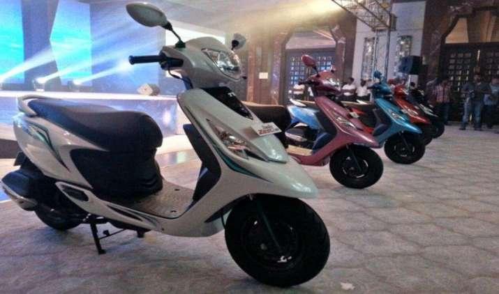 मोटरसाइकिल से आगे निकला स्कूटर, टू-व्हीलर की बिक्री 4 फीसदी तक ज्यादा होने की उम्मीद- India TV Paisa