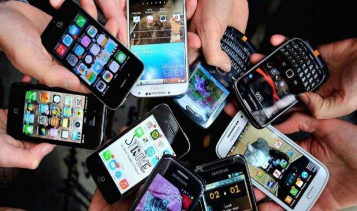 Smart Buyer: सेकेंड हैंड फोन खरीद रहे हैं, तो ध्यान रखें ये जरूरी 7 बातें- India TV Paisa