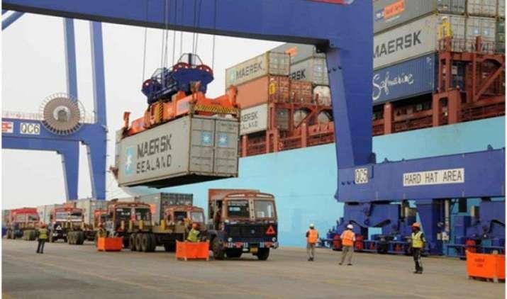 Booster dose: एक्सपोर्ट में गिरावट रोकने के लिए सरकार ने उठाया कदम, निर्यातकों को मिलेगा 3 फीसदी सस्ता कर्ज- India TV Paisa