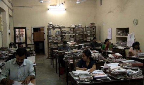सरकारी विभागों में है कर्मचारियों की भारी कमी, इस कारण पेटेंट के 2.46 लाख आवेदन पड़े हैं लंबित- India TV Paisa