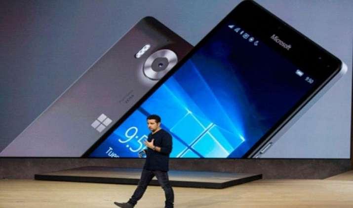 माइक्रोसॉफ्ट ने अपना पहला विंडोज-10 स्मार्टफोन किया भारत में लॉन्च, कीमत 43,699 रुपए- India TV Paisa