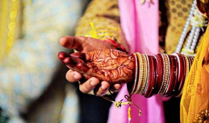 कम खर्च में आलीशान शादी करने का है सपना, तो अपनाएं इन 12 रास्तों को और बचाएं पैसा- India TV Paisa