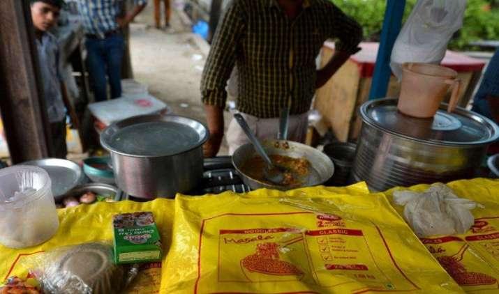 Maggi wali Diwali: मैगी ने बाजार में की फिर वापसी, अब खरीद सकेंगे ऑनलाइन भी- India TV Paisa