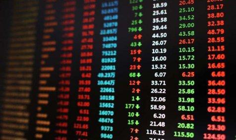 In Pictures: शेयर बाजार में गिरावट, सेंसेक्स 256 अंक टूटा- India TV Paisa