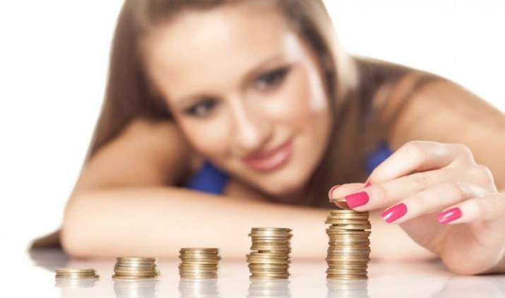 टैक्स सेविंग के साथ करें जोरदार कमाई, यहां निवेश करने पर मिलेगा 40% तक का रिटर्न- IndiaTV Paisa