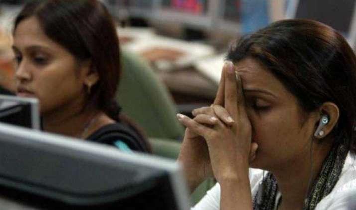 Market Close: वैश्विक चिंताओं की वजह से बाजार ने खोई शुरुआती बढ़त, सेंसेक्स 70 और निफ्टी 16 अंक टूटा- India TV Paisa