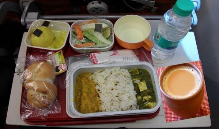 एयर इंडिया की कम दूरी की घरेलू उड़ानों में नहीं मिलेगा नॉनवेज, कंपनी ने बताए ये प्रमुख कारण- IndiaTV Paisa