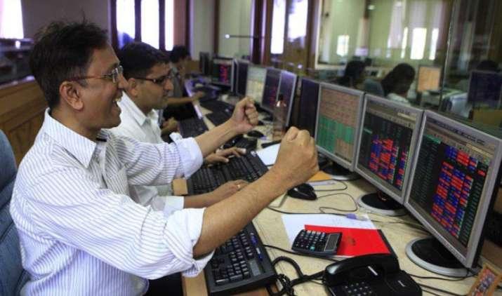 Stock Market at Days High: सेंसेक्स 400 और निफ्टी 100 अंक से ज्यादा उछला, मिडकैप शेयरों में सबसे ज्यादा तेजी- India TV Paisa