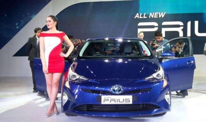 Toyota करेगी 33.7 लाख कारों को रिकॉल, खराब एयरबैग के कारण भारत में वापस होंगी प्रियस कार- IndiaTV Paisa