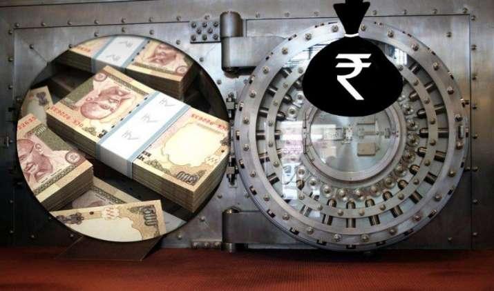 Fight Against Black Money: सरकार की सख्ती का असर, स्विस बैंक में 33% कम हुआ भारतीयों का जमा काला धन- IndiaTV Paisa