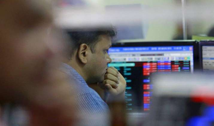 सेंसेक्स 52 अंक गिरकर 28077 पर बंद, मिडकैप शेयर NCC 12% और टाटा कॉम्युनिकेशंस 6% चढ़ा- India TV Paisa