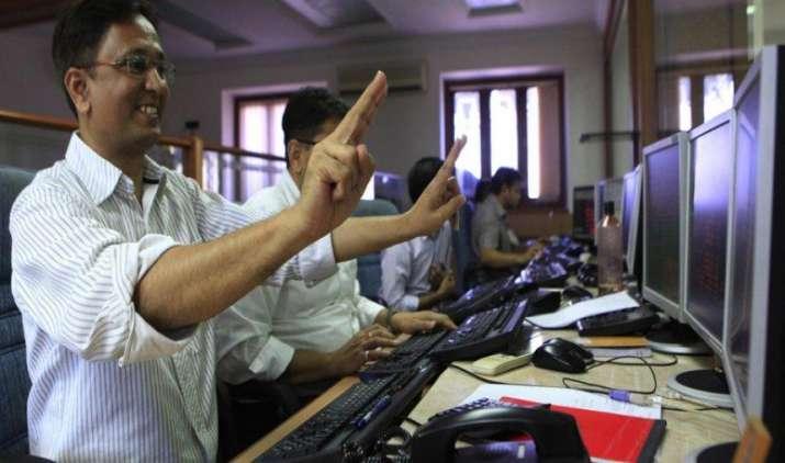 शेयर बाजार की मजबूत शुरुआत, सेंसेक्स 300 और निफ्टी 85 अंक उछला- India TV Paisa