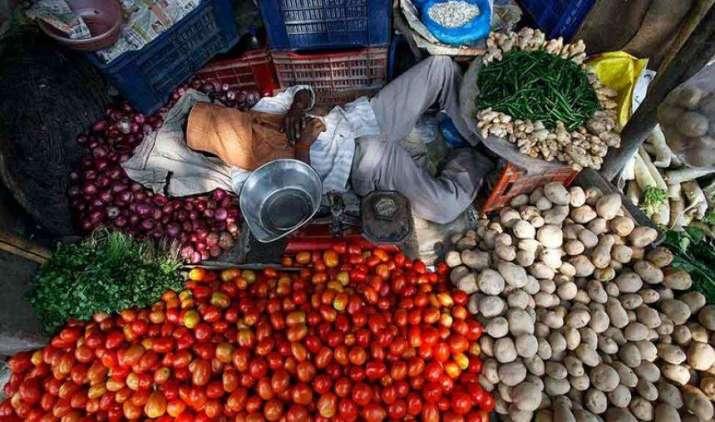 @5Month Low: रिटेल महंगाई अगस्त में घटकर 5.05 फीसदी रही, सब्जी और खाने-पीने की चीजों के दाम में आई गिरावट- India TV Paisa