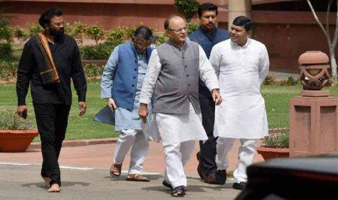 वित्त मंत्री की अध्यक्षता वाली समिति कर सकती है ट्रेड यूनियनों के साथ बैठक, मांगों पर होगा विचार- India TV Paisa