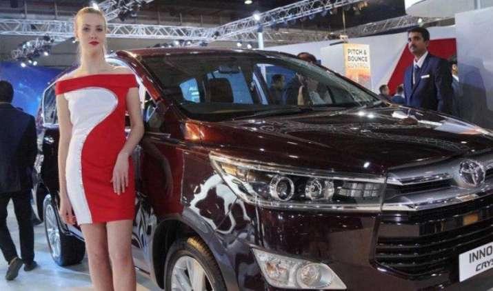 टोयोटा की इनोवा ने बनाया रिकॉर्ड, कंपनी के टर्नओवर में 2.4 बिलियन डॉलर का योगदान देकर बनी नंबर 1- India TV Paisa