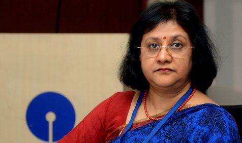 कृषि ऋण माफी पर SBI ने जताया एतराज, ऐसी योजना से बैंक व कर्ज लेने वालों के बीच बिगड़ता है अनुशासन- India TV Paisa