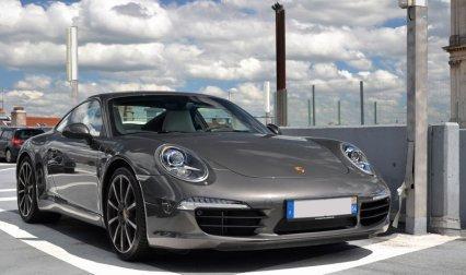 लक्जरी कार कंपनी Porsche ने भारत में पेश की 911 रेंज, कीमत 1.42 करोड़ रुपए- IndiaTV Paisa