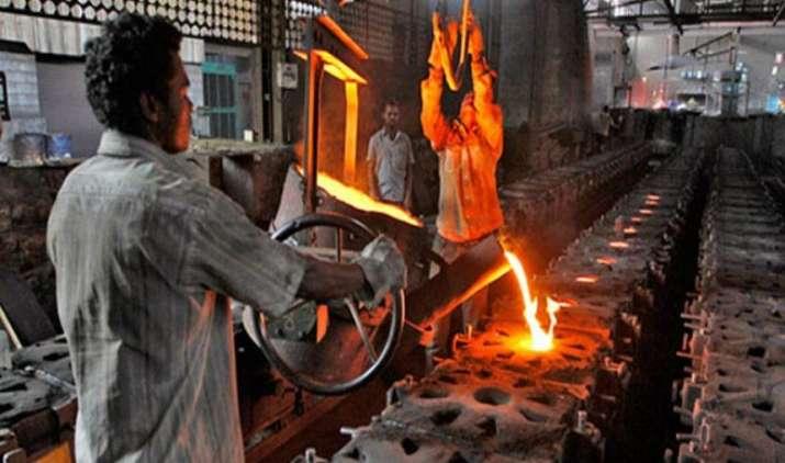 कोर सेक्टर की ग्रोथ फिर घटी, मई में 2.8 फीसदी रही वृद्धि दर- IndiaTV Paisa