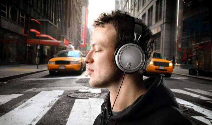 All About Music: म्यूजिक के शौकीनों के लिए ये हैं भारतीय बाजार में मौजूद 5 बेहतरीन स्मार्टफोन- India TV Paisa