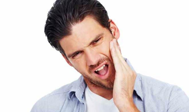 अगर आपको दांतों और मुंह से बदबू आदि की समस्या है तो इसका सेवन करें।