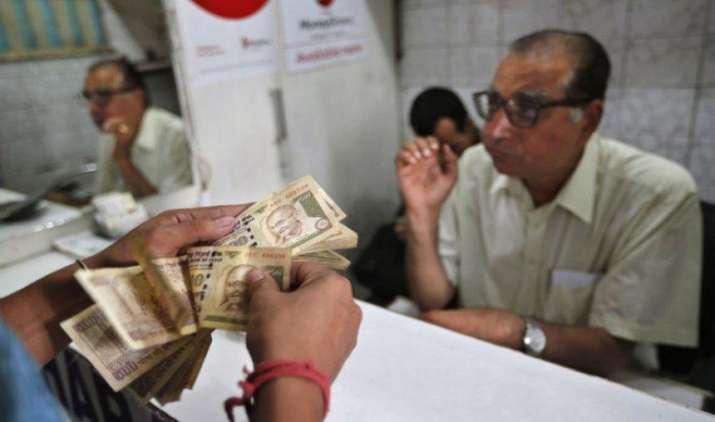 Cabinet Decisions: मोदी सरकार ने केंद्रीय कर्मचारियों को दिया दिवाली का तोहफा, DA में 2 फीसदी की बढ़ोतरी- India TV Paisa