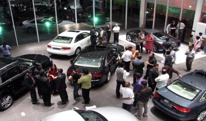 जीएसटी के बाद कार और बाइक खरीदने का शानदार मौका, होंडा, फोर्ड, टीवीएस और सुजुकी ने घटाई कीमतें- India TV Paisa
