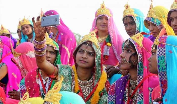 Gadget this Week: सैमसंग और Xiaomi ने घटाईं कीमतें, इंटेक्स, YU, LYF ने लॉन्च किए नए फोन- India TV Paisa