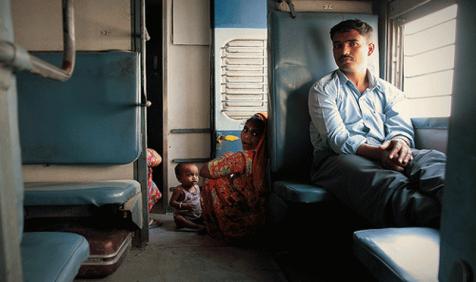 मोबाइल पर मिलेंगे ट्रेन के जनरल टिकट, रेलवे लाने जा रही ये नई फैसलिटी- India TV Paisa