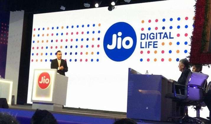 Reliance Jio को सबसे बड़ा धमाका, अब मिलेगा 83 पैसे में 1 GB फास्ट इंटरनेट डाटा- India TV Paisa