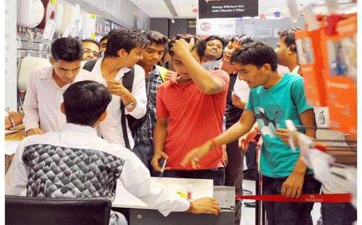 Reliance Jio के आगे झुका Airtel, अब नहीं होगी Jio के ग्राहकों की कॉल ड्रॉप- India TV Paisa
