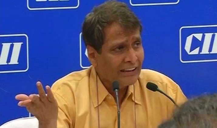 प्रभु बोले : मैंने स्वेच्छा से रेल बजट छोड़ा, वित्त मंत्रालय ने इसे अपने कब्जे में नहीं लिया- India TV Paisa