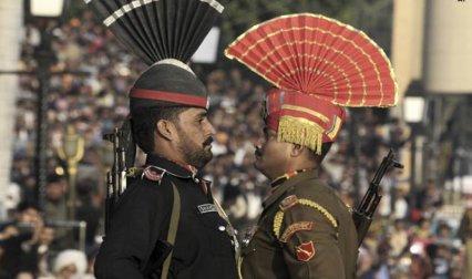 पाकिस्तान से बहुत ज्यादा मजबूत है भारतीय सेना, जानिए दोनों देशों की सेनाओं की क्या है ताकत- India TV Paisa