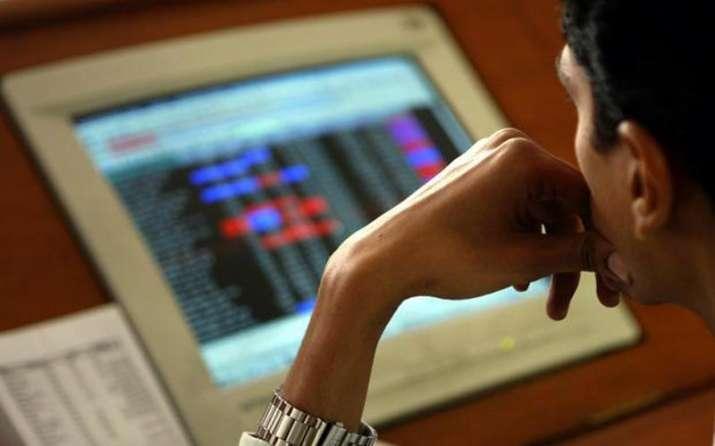 सेंसेक्स की टॉप दस में से छह कंपनियों का मार्केट कैप 33,985 करोड़ बढ़ा, RIL को हुआ सबसे अधिक फायदा- India TV Paisa