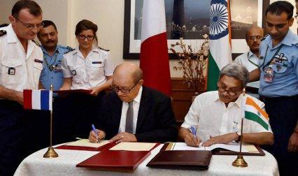 फ्रांस से 36 राफेल खरीदने का सौदा हुआ पक्का, 2019 से वायुसेना को मिलने लगेंगे नए फाइटर प्लेन- India TV Paisa