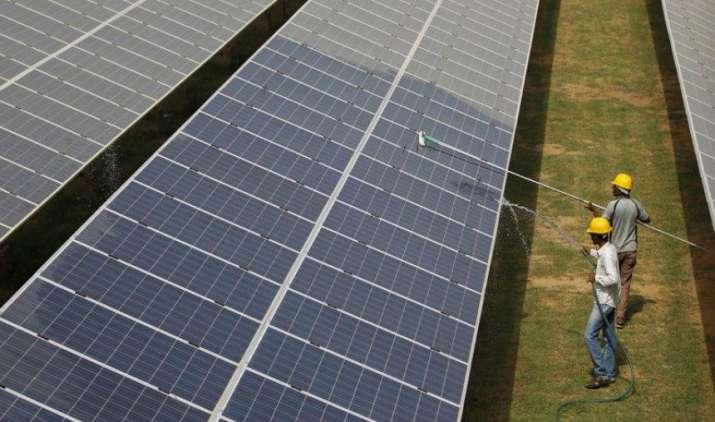 'भगवान भरोसे': बाबा फैलाएंगे सौर ऊर्जा का प्रकाश, धर्म गुरुओं को सरकार बनाएगी ब्रांड अंबैस्डर- India TV Paisa