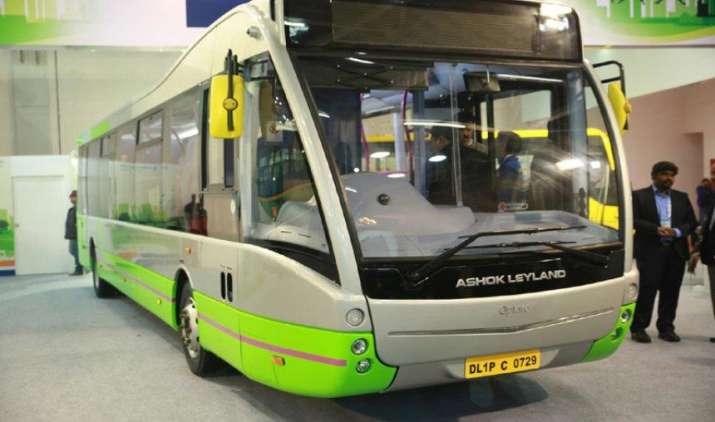 अशोक लीलैंड ने पहली 'मेड इन इंडिया' इलेक्ट्रिक बस पेश की, 35 से 65 लोग कर सकेंगे यात्रा- IndiaTV Paisa