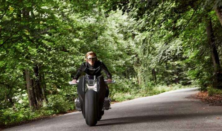 BMW की ये बाइक होगी बेहद स्मार्ट, कितनी भी तेज चलाने पर नहीं होगा एक्सीडेंट- India TV Paisa