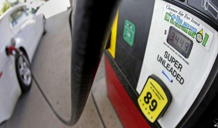 पेट्रोल में मिलाने के लिए एथनॉल कीमतों में 21 फीसदी कटौती को मंजूरी, एक दिसंबर से लागू होंगे नए दाम- IndiaTV Paisa
