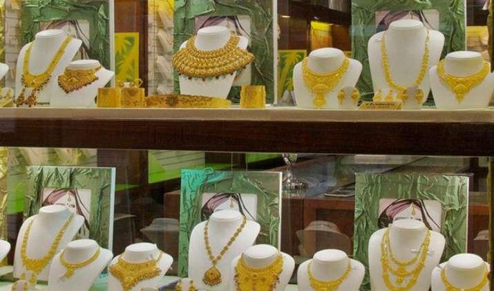 Gold पहुंचा दो हफ्ते के उच्चतम स्तर पर, कीमतों में आई 160 रुपए की उछाल- India TV Paisa
