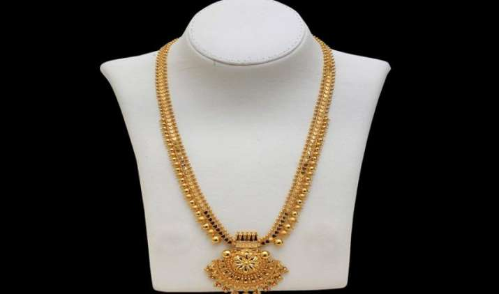 मांग बढ़ने से 55 रुपए महंगा हुआ Gold, चांदी की कीमतों में कमजोरी जारी- India TV Paisa