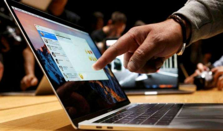 #NewLappy : Apple ने लॉन्च किए दमदार, पतलेे, टच बार और फिंगरप्रिंट सेंसर से लैस नए पावरफुल मैकबुक- India TV Paisa