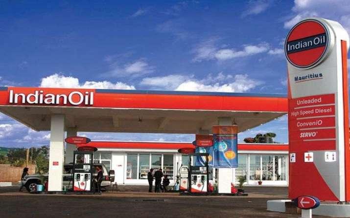 पेट्रोल-डीजल के दाम रोज बदलने से तेल कंपनियों के मुनाफे में होगी वृद्धि, कीमत घटाने का राजनीतिक दबाव होगा कम- IndiaTV Paisa