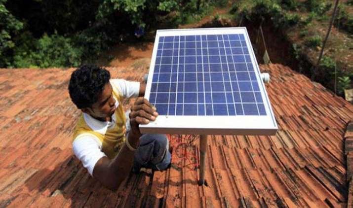 Paisa Quick: छतों पर लगने वाली सौर ऊर्जा क्षमता 1,000 मेगावाट के पार, आयोजित होगा उपभोक्ता मेला- IndiaTV Paisa