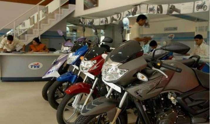 दिवाली पर TVS Motor का बड़ा ऑफर, सिर्फ 12999 रुपए की डाउनपेमेंट पर खरीदिए ये बाइक्स- India TV Paisa