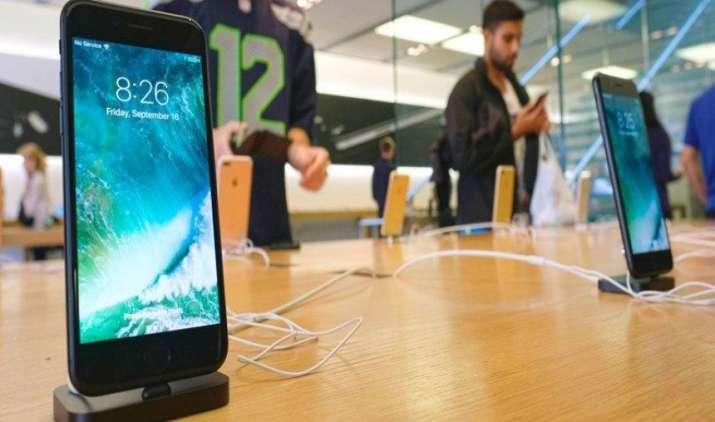 Sale Start: शुरू हुई Apple iPhone 7 की बिक्री, जानिए कैसे पा सकते हैं 10,000 रुपए का डिस्काउंट- India TV Paisa