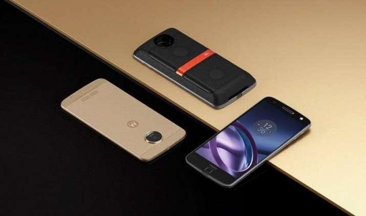 दुनिया के सबसे पतले स्मार्टफोन Moto Z की बिक्री शुरू, लॉन्च ऑफर में 25,500 रुपए तक का एक्सचेंज ऑफर- India TV Paisa