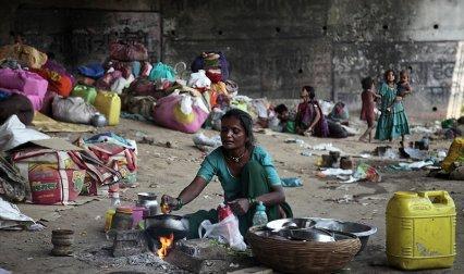 World Bank : दुनिया में सबसे ज्यादा गरीब भारत में, दूसरे नंबर पर नाइजीरिया- IndiaTV Paisa