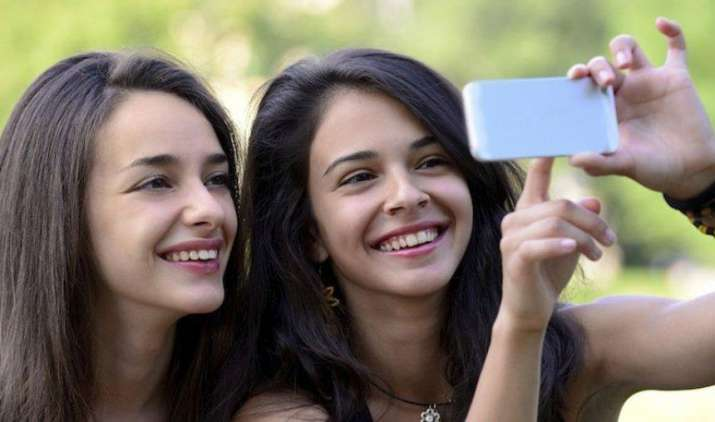 Smart Buy: कम कीमत में बेहतरीन फीचर्स, ये हैं 8,000 रुपए से सस्ते 4G स्मार्टफोन- IndiaTV Paisa