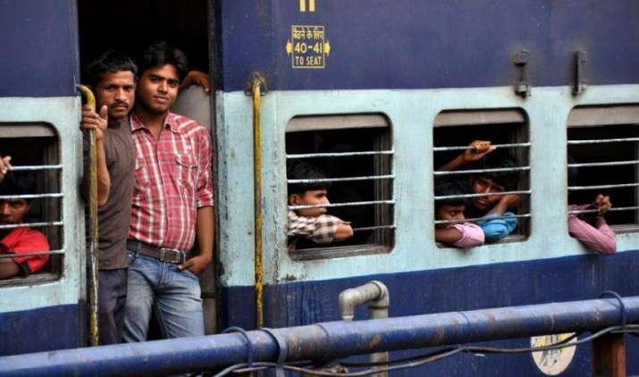 Diwali Bonanza: IRCTC देगी एक पैसे में 10 लाख रुपए का रेल यात्रा बीमा, 7 अक्टूबर से लागू होंगी नई दरें- IndiaTV Paisa